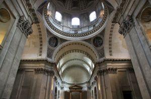 1280px-Chapelle_de_la_sorbonne_interior